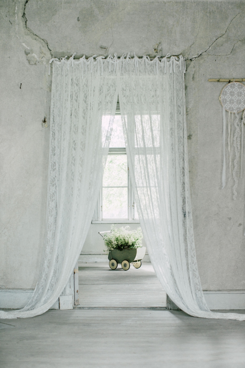 https://www.lidor.nl/images/products/large/numero-74-gordijn-gathered-lace-flower-wit-3.jpg