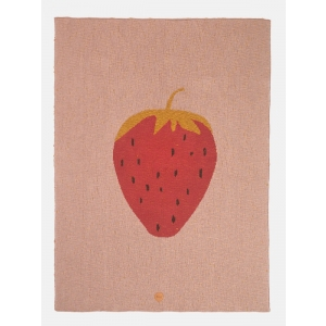 Strawberry Blanket van Ferm Living