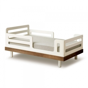 Classic Toddler Bed Walnoot van Oeuf Nyc