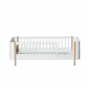 Wood Mini+ Junior Bed, White/Oak van Oliver Furniture